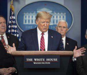 Estados Unidos: Denuncian a la administración de Donald Trump por la compra de barbijos con sobreprecios.