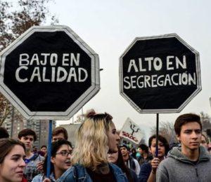 """Chile: """"No son 30 pesos, es por 30 años"""""""