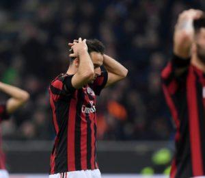 """""""Siamo fuori della copa"""", el Milán queda excluido de la Europa League."""