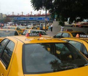 Se levantó el paro de taxistas en Córdoba: promesa de aumento tarifario