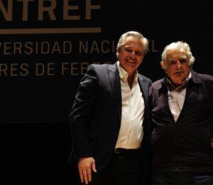 Alberto Fernández y Pepe Mujica juntos en la UNTREF