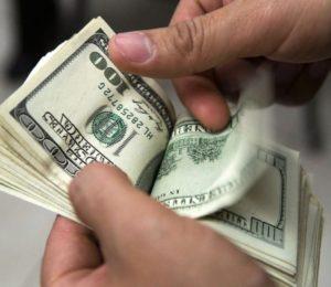 Arrancamos la semana con el dólar en aumento