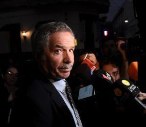 La Cancillería  Argentina frenó el traslado de los nuevos embajadores a otros países