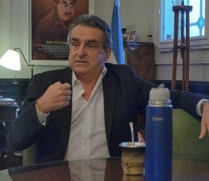 """Agustín Rossi: """"Los medios de comunicación tuvieron indulgencia y casi complicidad con el gobierno de Mauricio Macri"""""""