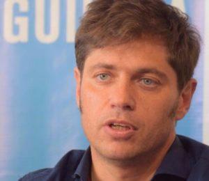 """Axel Kicillof visitó el Instituto """"Tomas Perón"""" fabricante de alcohol en gel"""