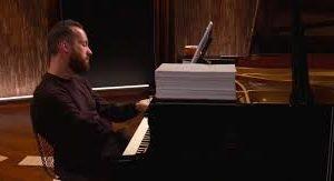 El pianista Igor Levit interpretó por 20 horas una pieza musical
