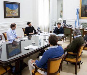 Axel Kicilloff se reuniró virtualmente con intendentes del interior