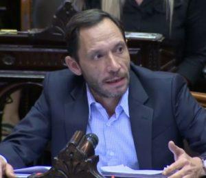 """""""Dejen de exponer a los jubilados en las colas de los bancos"""", criticó Maximiliano Ferraro de la Coalición Cívica ARI"""